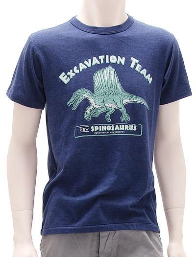 ミュージアムデザイン Tシャツ  スピノサウルス ネイビー Mサイズ 着用イメージ