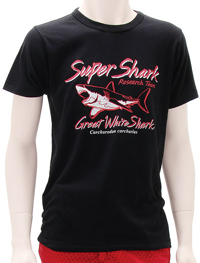 ミュージアムデザイン Tシャツ ホホジロザメ ブラック Mサイズ 着用イメージ