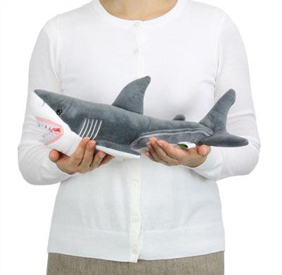 リアル動物 生物 ぬいぐるみ かみつきシリーズ ホホジロザメ 大きさ
