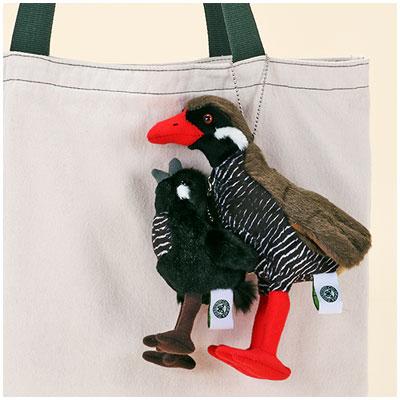 ぬいぐるみマスコット ヤンバルクイナ 親子一緒に吊り下げ使用イメージ