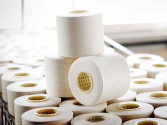 >綿から紡績された糸