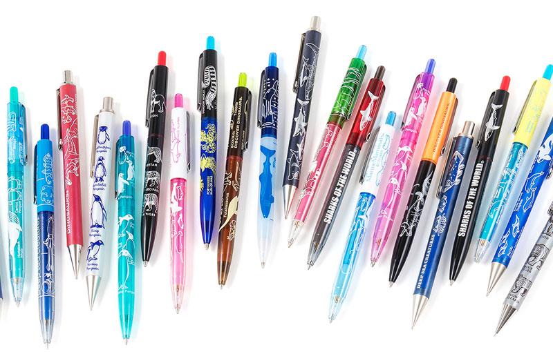 生物をモチーフにした、明るく深い透明感が美しいシャープペン
